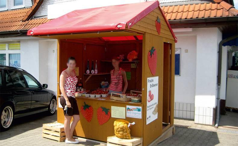 Spargelverkäufer und Erdbeerverkäufer